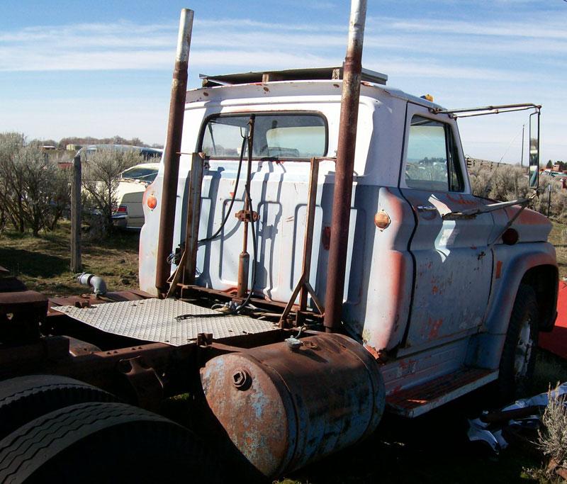 1964 Chevrolet Spartan Series 80 Five Ton Semi Tractor
