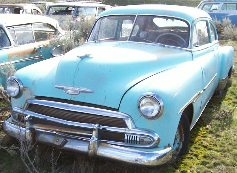 Chevrolet deluxe fastback sedan pictures for 1951 chevy deluxe 4 door for sale