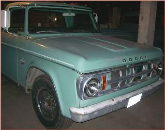 Go to 1969 Dodge D200 3/4 tom LWB Camper Special Sweptline pickup truck very low miles for sale $9,000