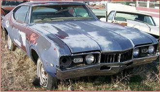 Go to 1968 Oldsmobile Cutlass Supreme 4-4-2 two door Holiday hardtop for sale $6,500