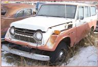 1972 Toyota FJ55 4X4 Land Cruiser station wagon left front view