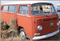 1968-72 Volkswagen Bay-window transporter kombi station wagon right front view