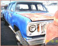 1977 Dodge W200 Sweptline Crew Cab 3/4 Ton 4X4 Truck right front view