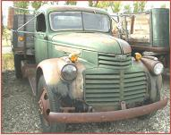 1946 GMC 2 Ton Hoist Box Dump Truck right front view