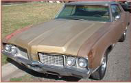 1970 Oldsmobile Cutlass Supreme Holiday 2 Door Hardtop For Sale left front view