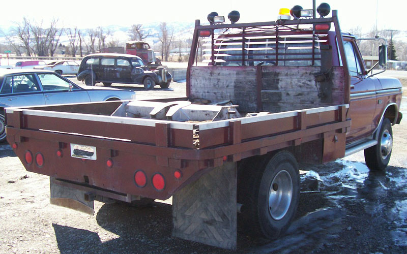 1976 Ford F 250 Ranger 4X4 Flatbed Work Truck For Sale Right Rear View