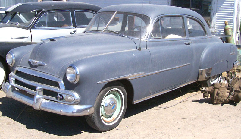 Styline doors chevrolet styleline deluxe 4 door sedan for 1951 chevy deluxe 4 door for sale